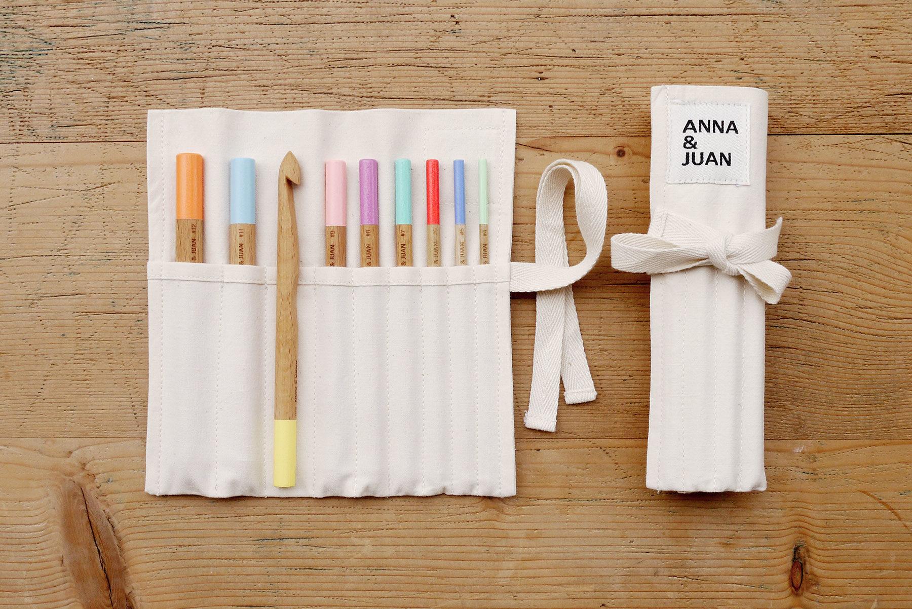 Anna & Juan – Coloured Crochet Hooks, Beech Wood – Set
