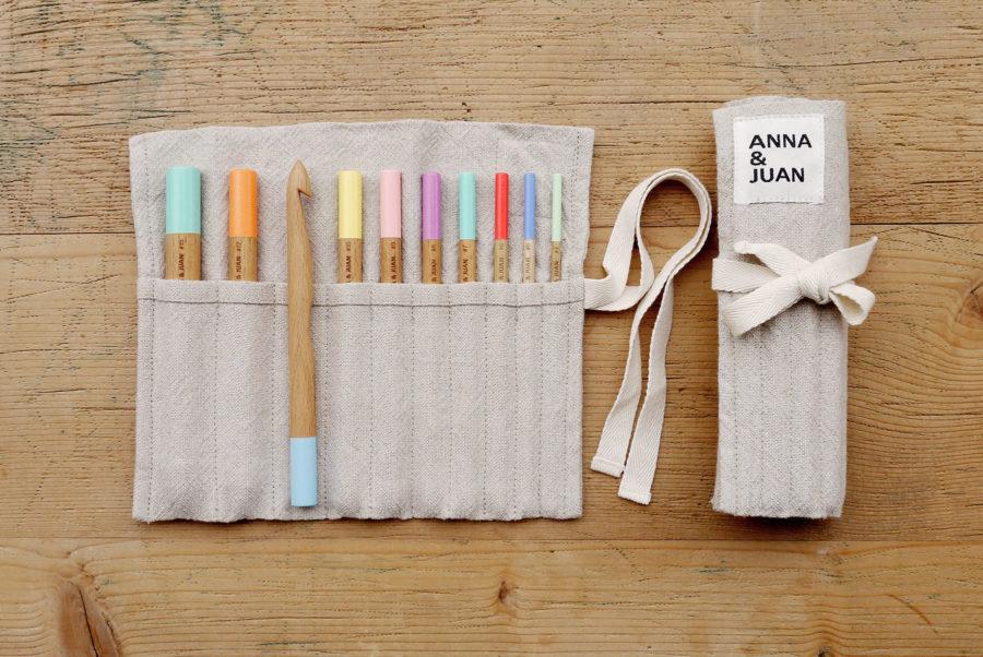 Anna & Juan – Coloured Crochet Hooks, Beech Wood – Set Large