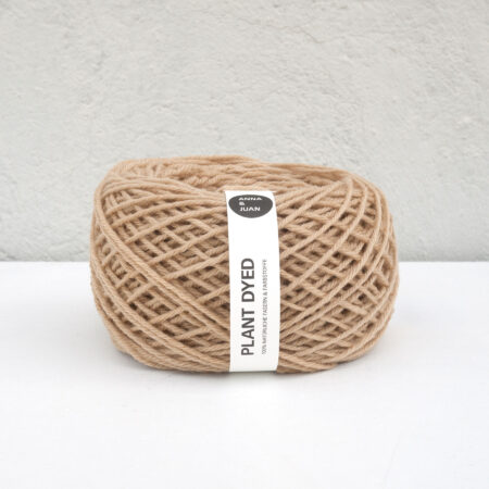 "Anna & Juan Wool ""Plant Dyed"" – Merino Twisted – Worsted Weight – Oak Gall"