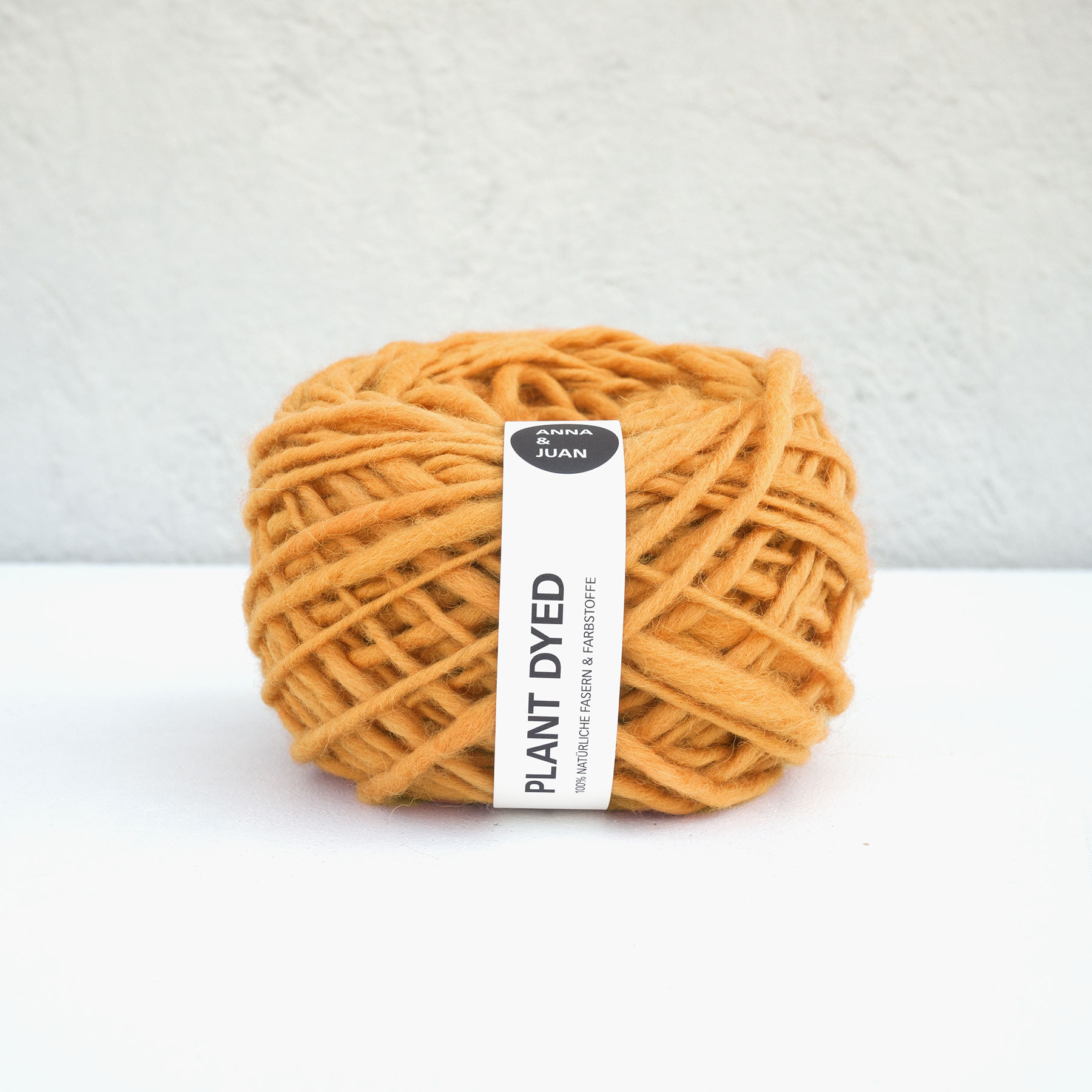 Anna & Juan Wolle «Plant Dyed» – Merino Handgesponnen – Super Bulky – Orange