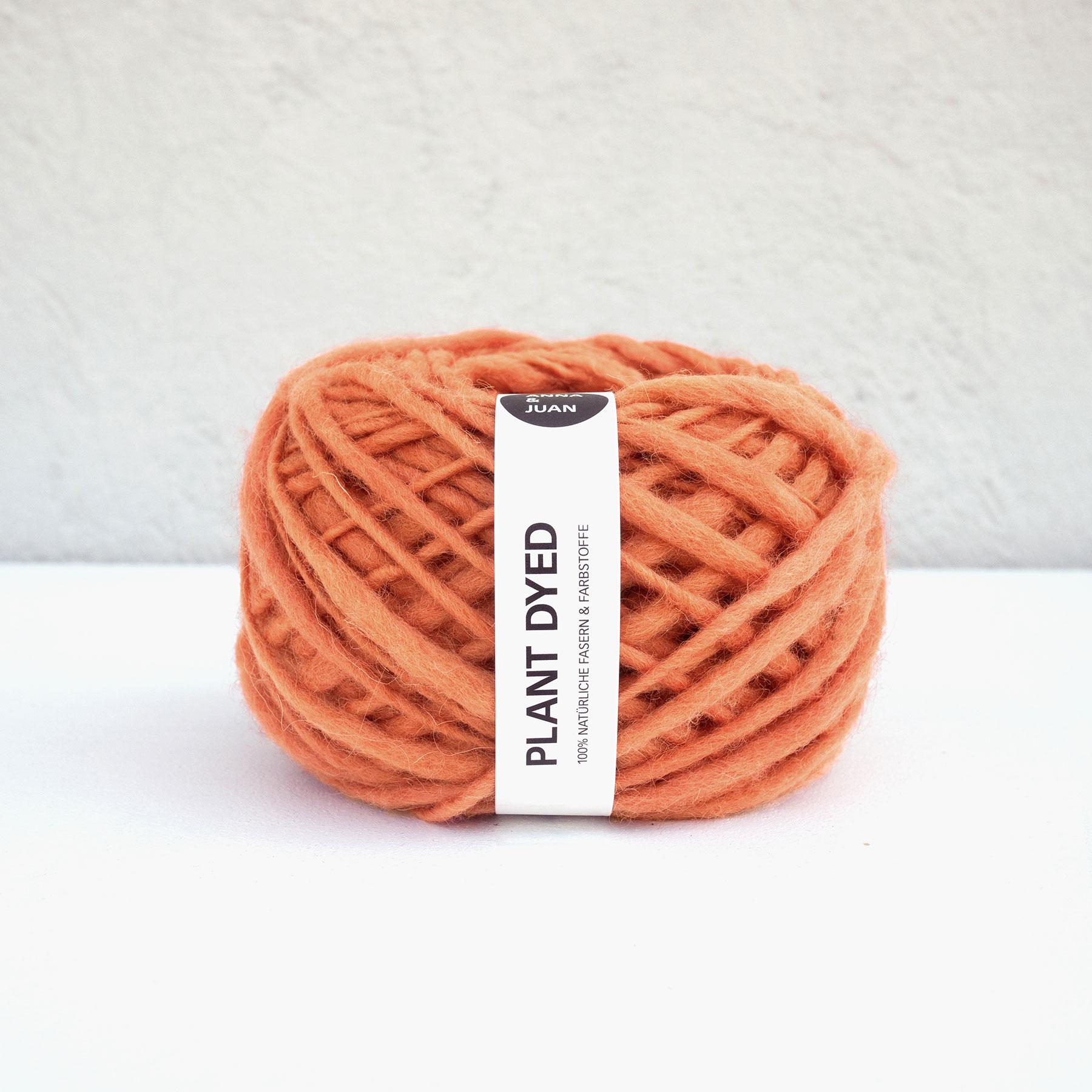 Anna & Juan Wolle «Plant Dyed» – Merino Handgesponnen – Super Bulky – Rotorange