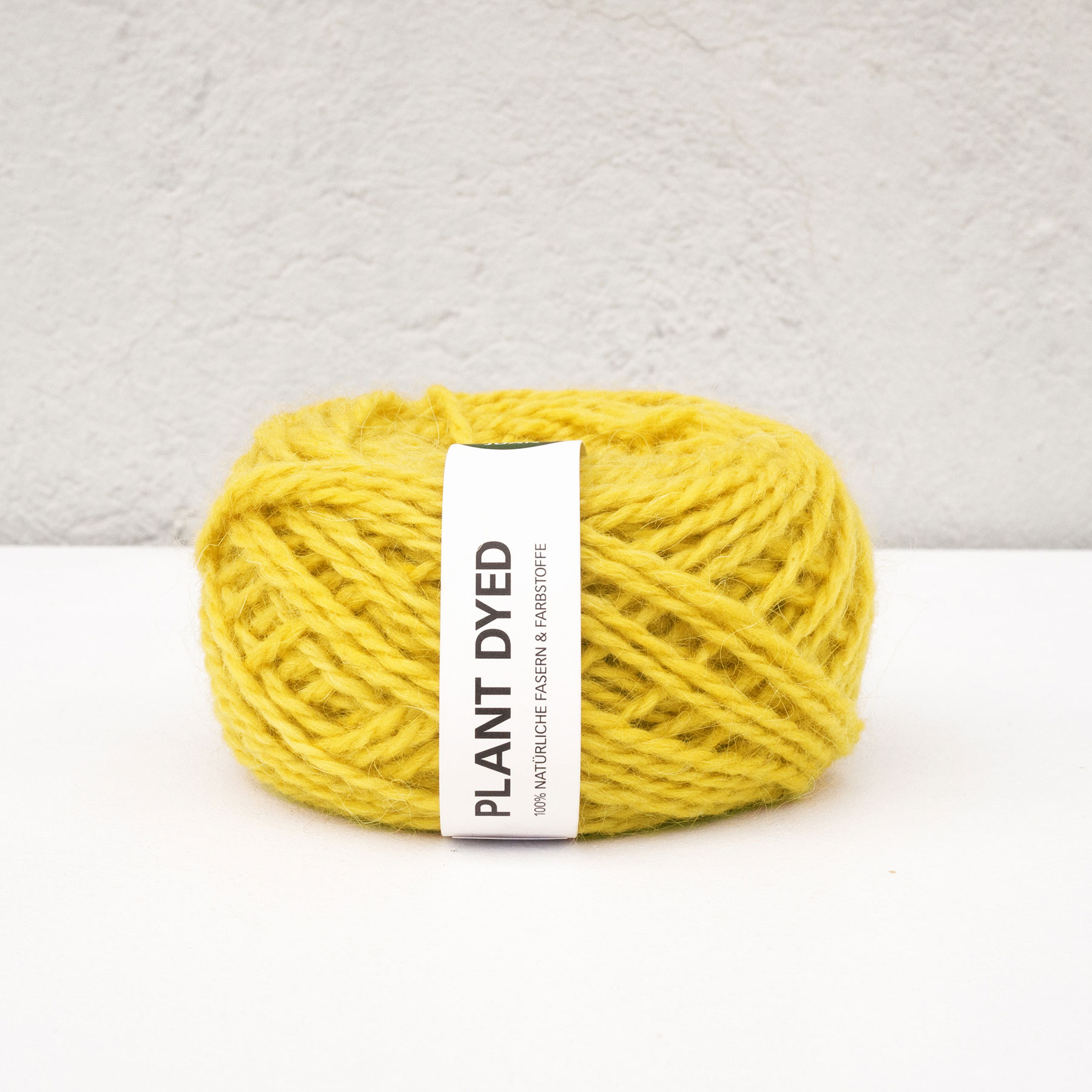 Anna & Juans «Llama Argentina – Plant Dyed» – Light Worsted/Worsted – Reseda luteola