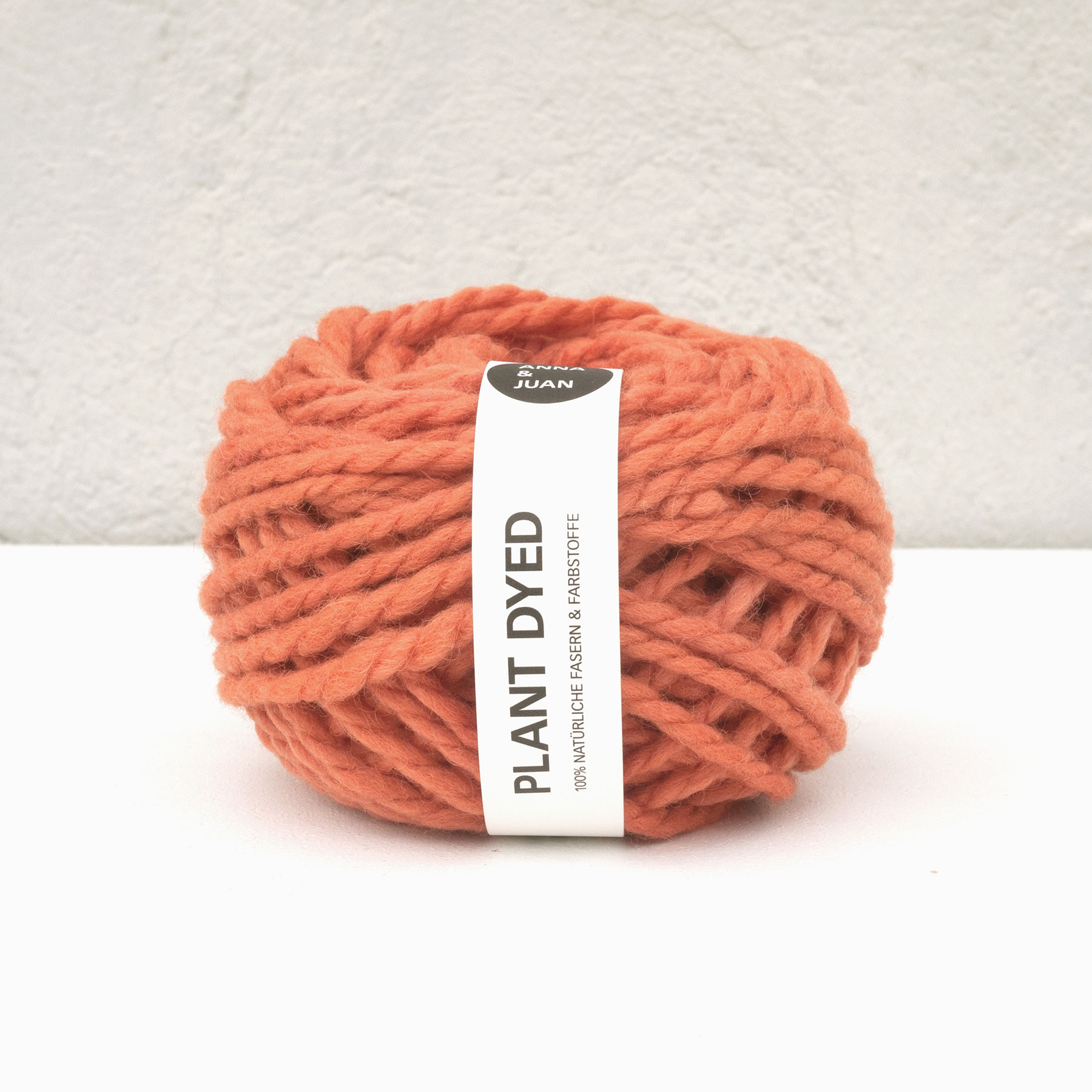 Anna & Juans «Landwolle Argentinien – Plant Dyed» – Chunky/Super Bulky – Lachsrot dunkel
